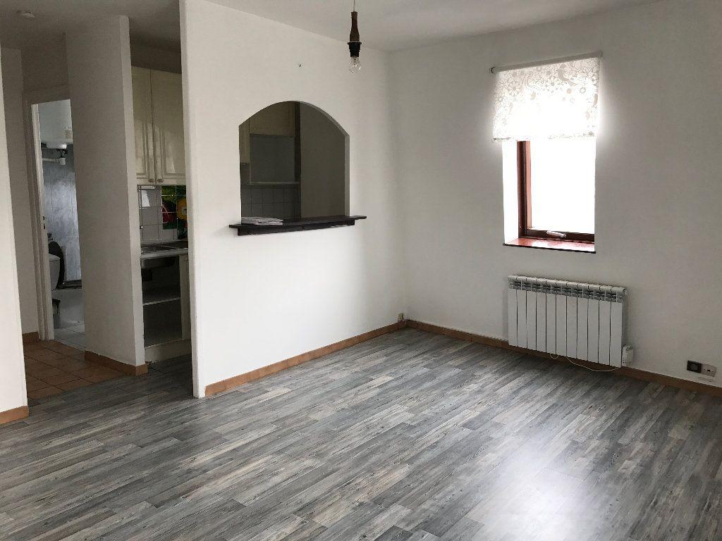 Appartement à louer 1 21m2 à Villeparisis vignette-2