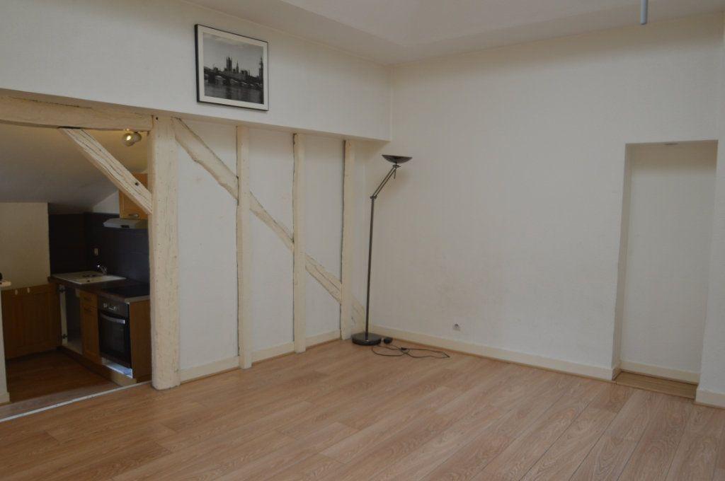 Appartement à louer 1 30m2 à Périgueux vignette-1