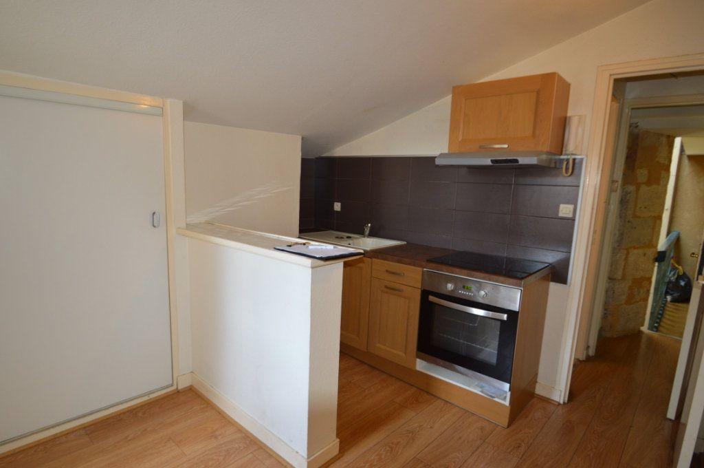 Appartement à louer 1 30m2 à Périgueux vignette-8