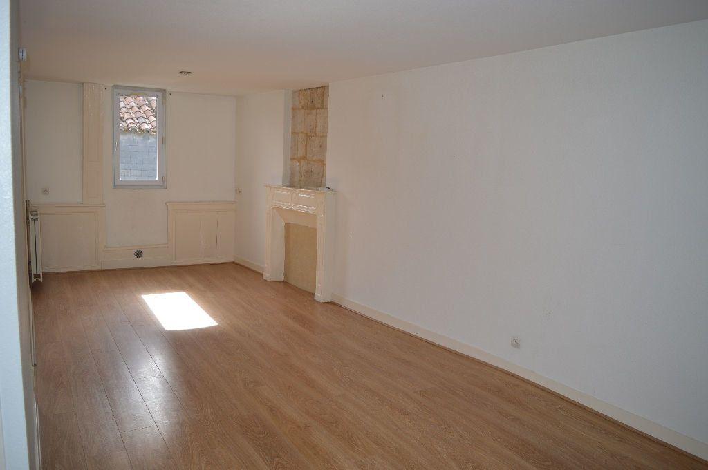 Appartement à louer 2 43m2 à Périgueux vignette-1