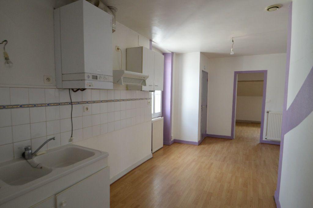 Appartement à louer 1 35m2 à Périgueux vignette-2