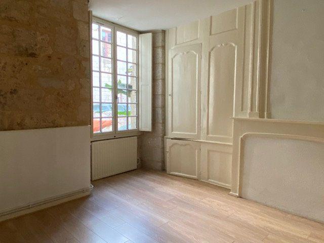 Appartement à louer 1 31m2 à Périgueux vignette-1