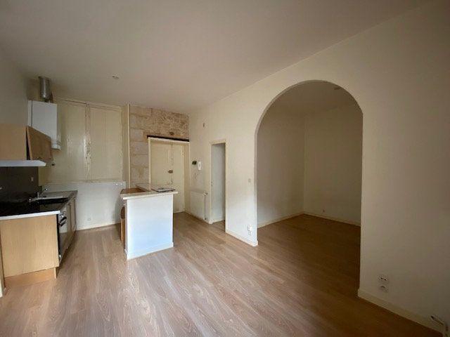 Appartement à louer 1 31m2 à Périgueux vignette-3