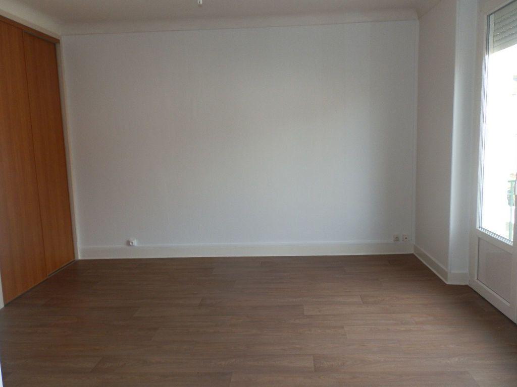 Appartement à louer 3 52m2 à Périgueux vignette-1