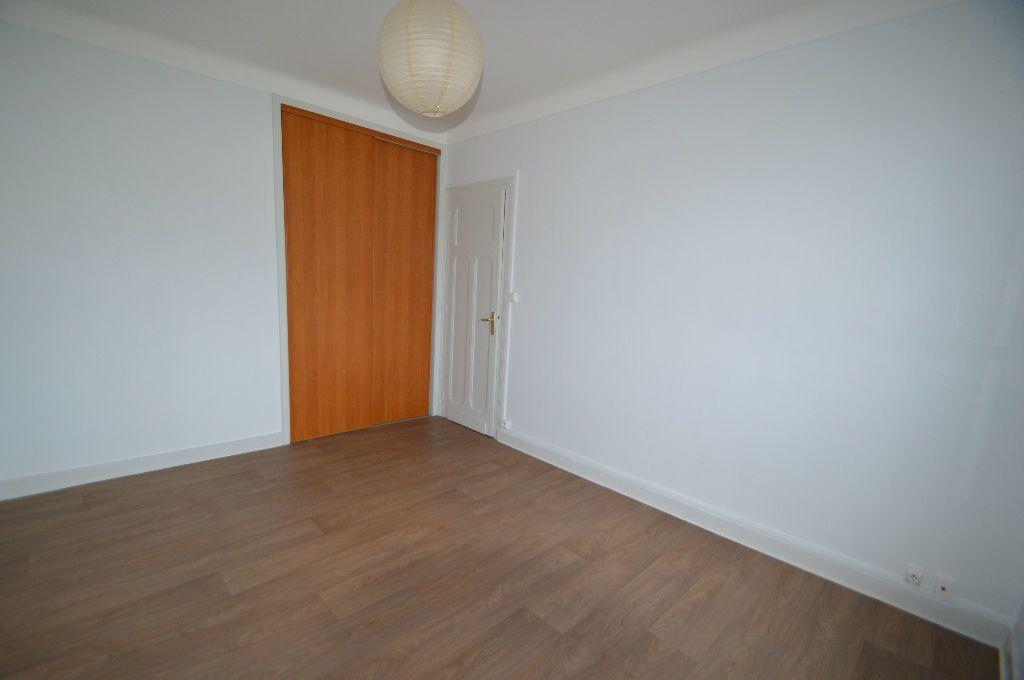 Appartement à louer 3 52m2 à Périgueux vignette-3