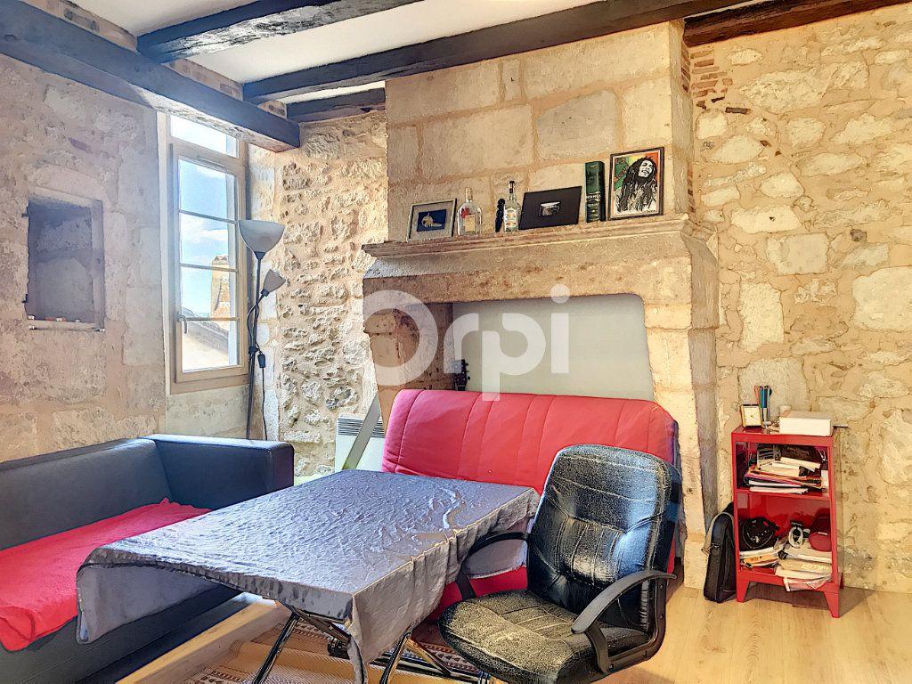 Appartement à louer 2 51m2 à Périgueux vignette-2