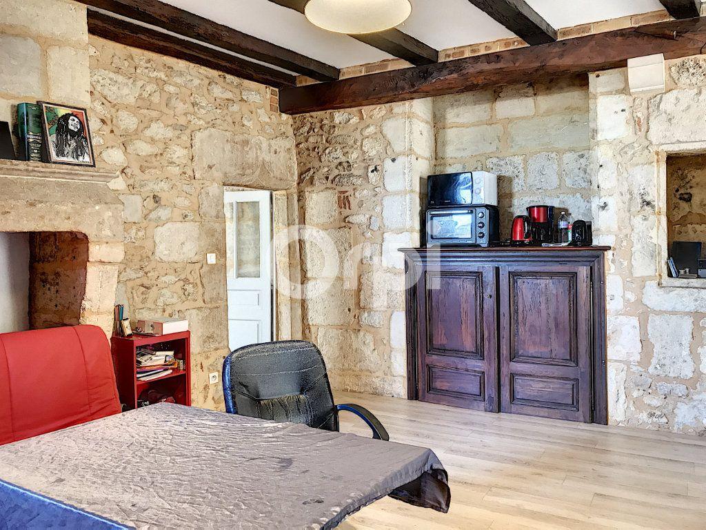 Appartement à louer 2 51m2 à Périgueux vignette-3
