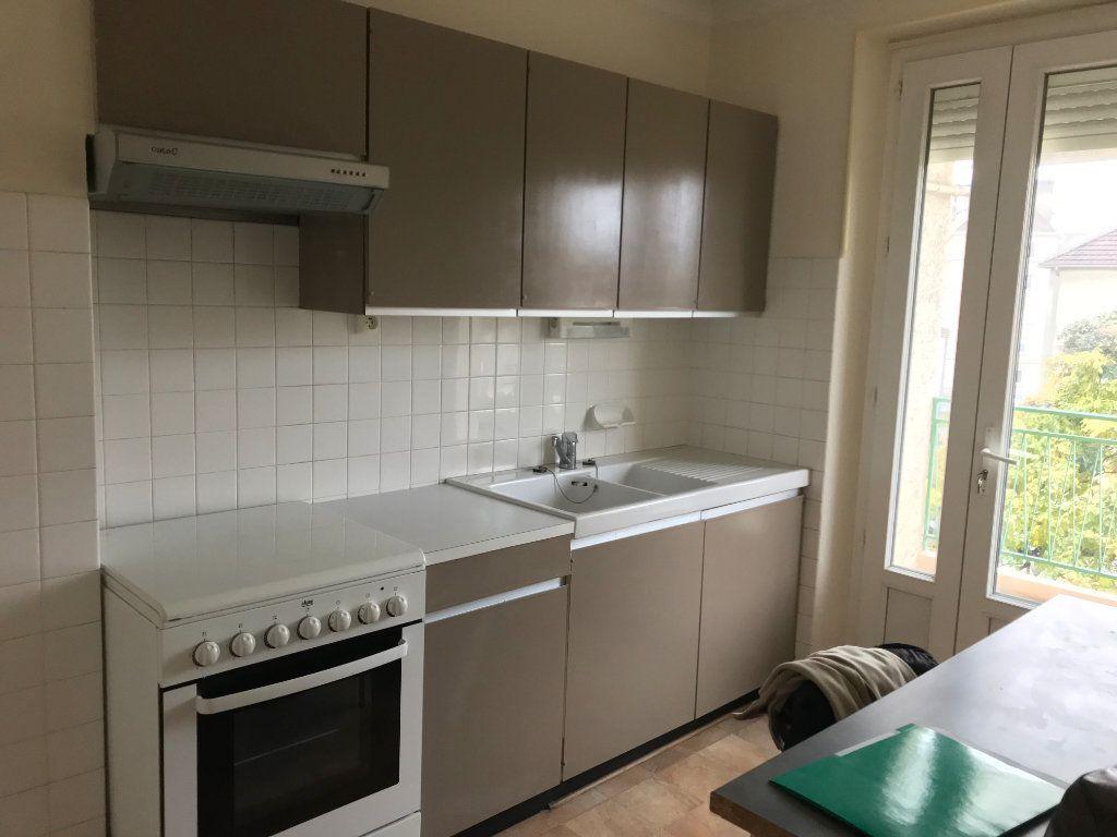 Appartement à louer 3 52m2 à Périgueux vignette-4