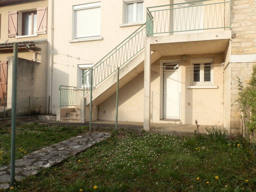 Appartement à louer 3 52m2 à Périgueux vignette-6
