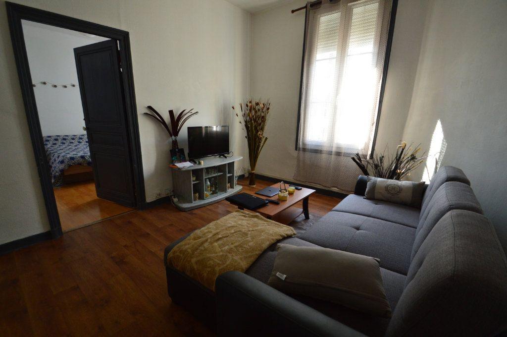 Appartement à louer 2 48m2 à Périgueux vignette-3