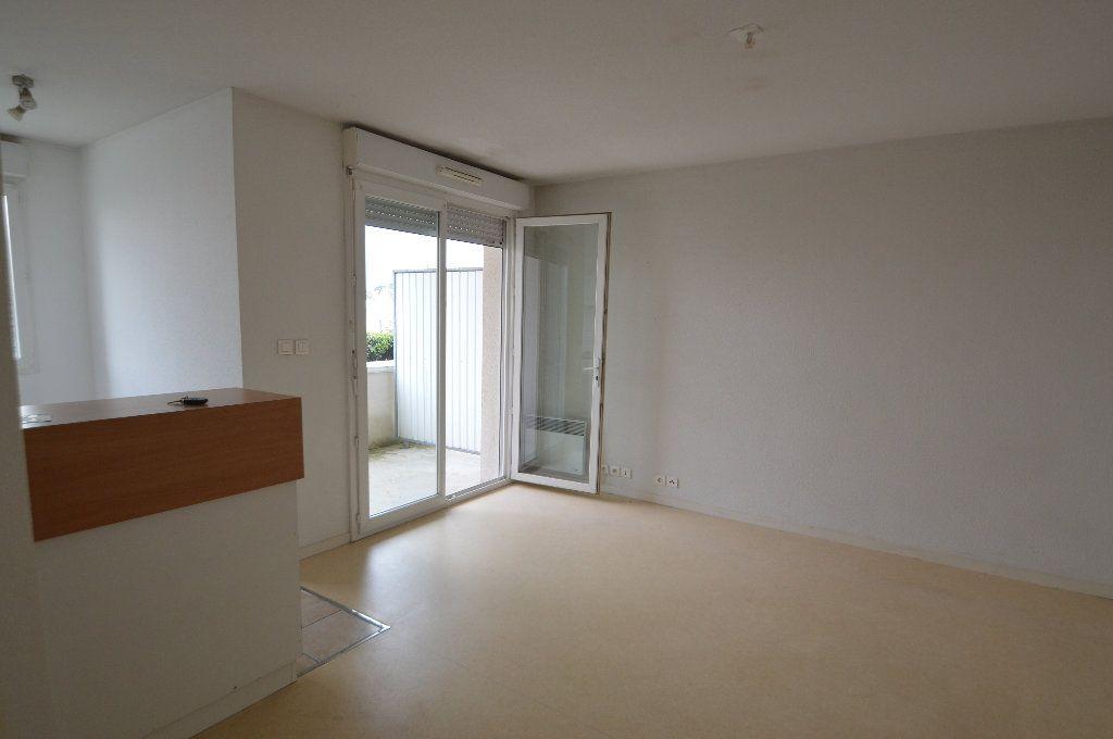 Appartement à louer 2 40.05m2 à Périgueux vignette-1