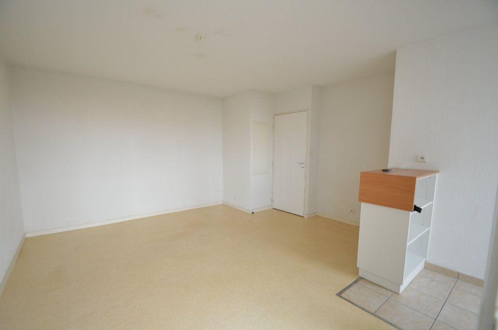 Appartement à louer 2 40.05m2 à Périgueux vignette-2