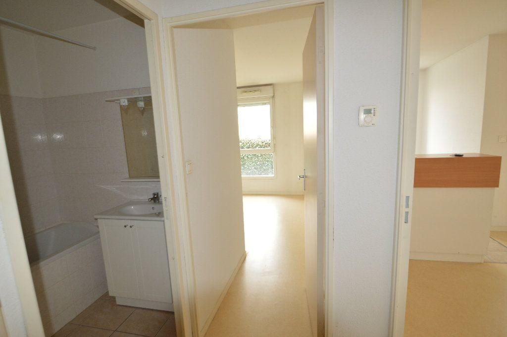 Appartement à louer 2 40.05m2 à Périgueux vignette-3
