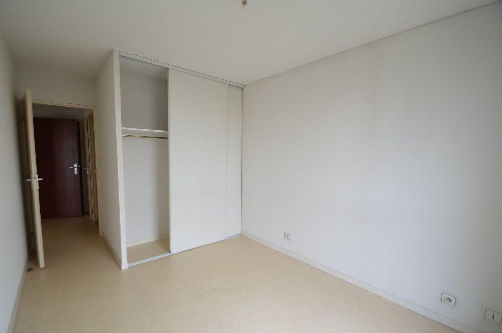 Appartement à louer 2 40.05m2 à Périgueux vignette-4