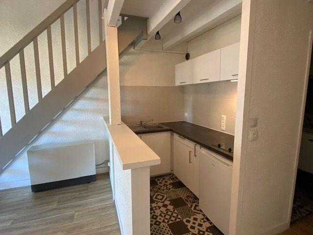 Appartement à louer 2 41m2 à Périgueux vignette-3