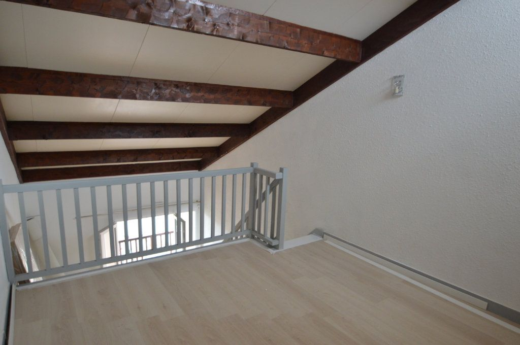 Appartement à louer 2 41m2 à Périgueux vignette-6