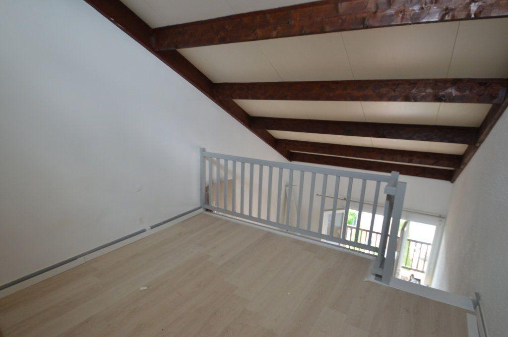 Appartement à louer 2 41m2 à Périgueux vignette-7