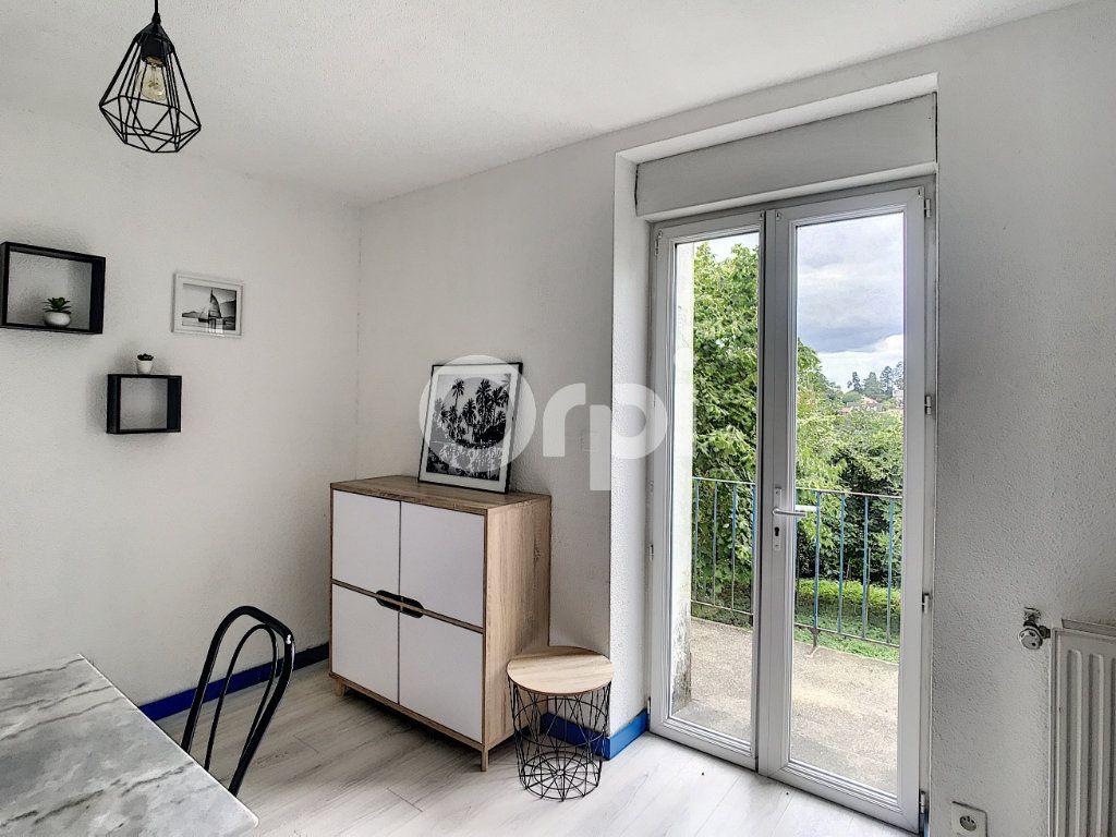 Appartement à louer 1 15m2 à Périgueux vignette-2