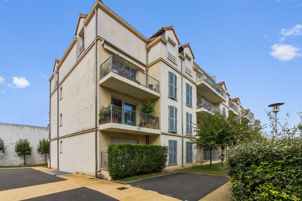 Appartement à vendre 5 108m2 à Périgueux vignette-1