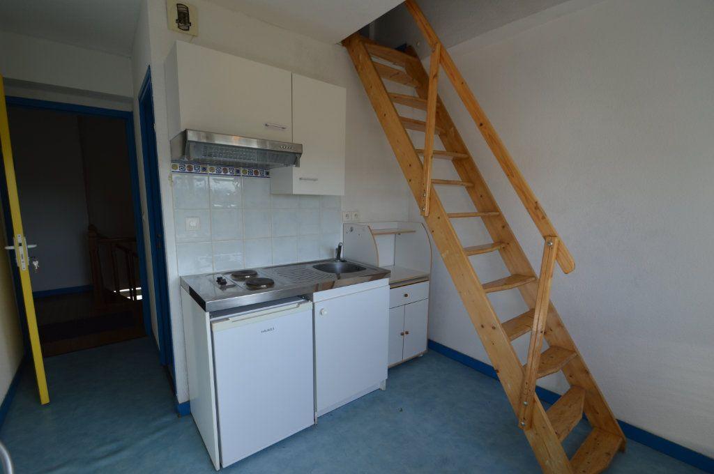 Appartement à louer 2 15.68m2 à Périgueux vignette-1