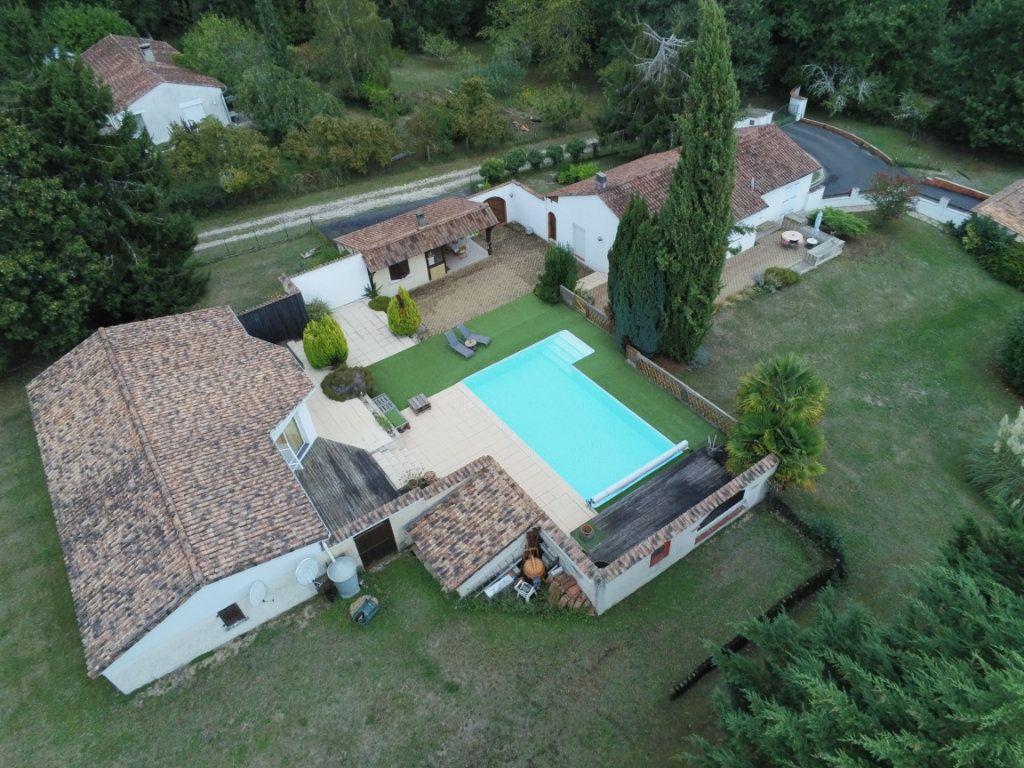 Maison à vendre 6 220m2 à Saint-Laurent-sur-Manoire vignette-2