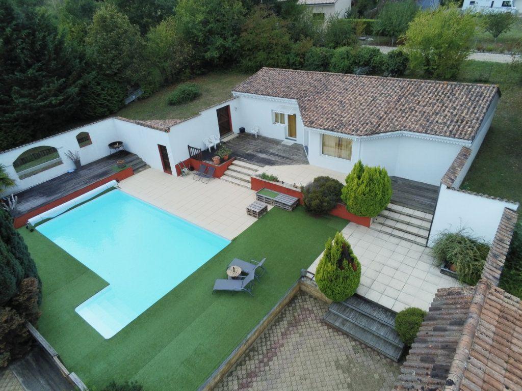 Maison à vendre 6 220m2 à Saint-Laurent-sur-Manoire vignette-3