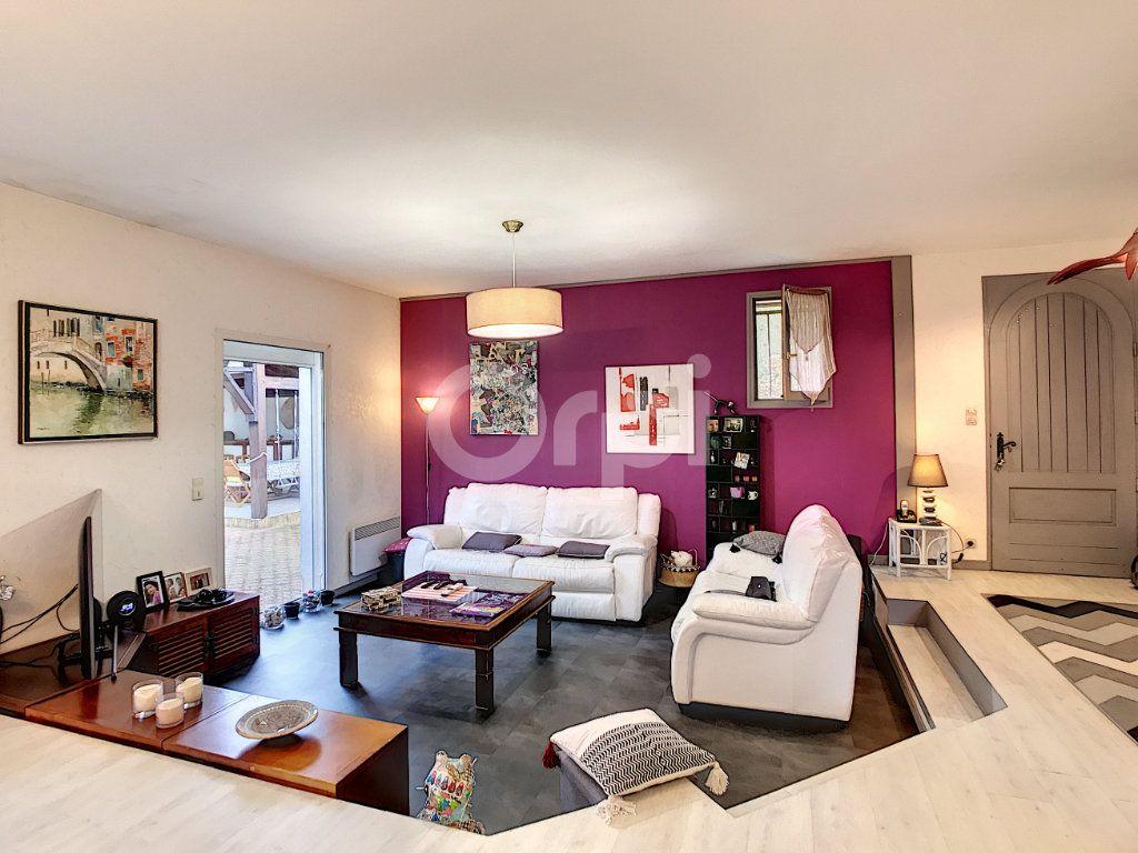 Maison à vendre 6 220m2 à Saint-Laurent-sur-Manoire vignette-4