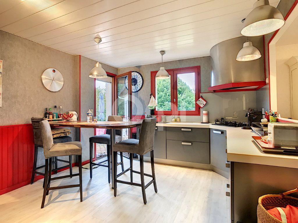 Maison à vendre 6 220m2 à Saint-Laurent-sur-Manoire vignette-5