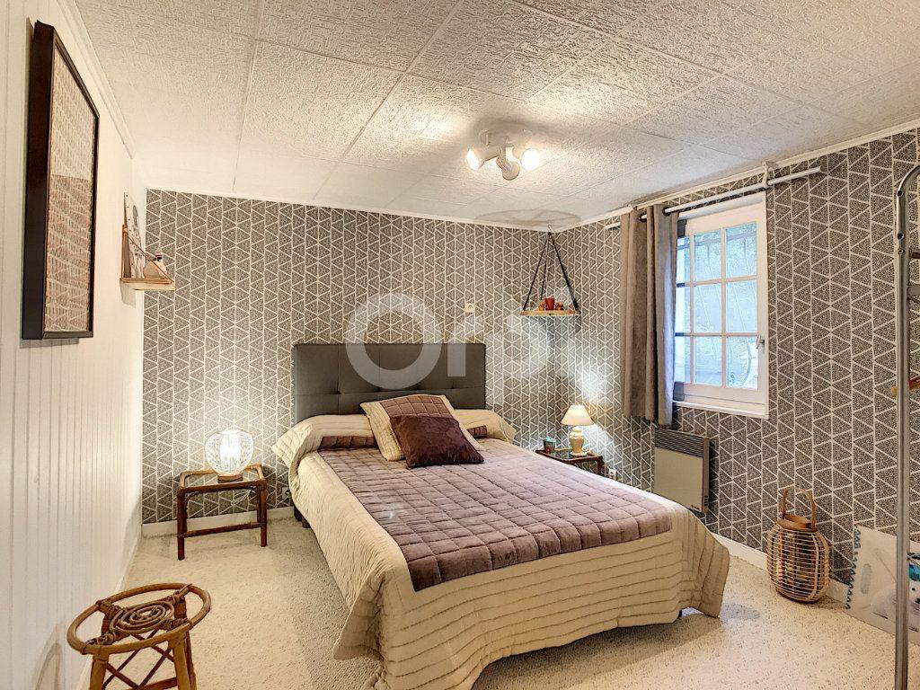 Maison à vendre 6 220m2 à Saint-Laurent-sur-Manoire vignette-8