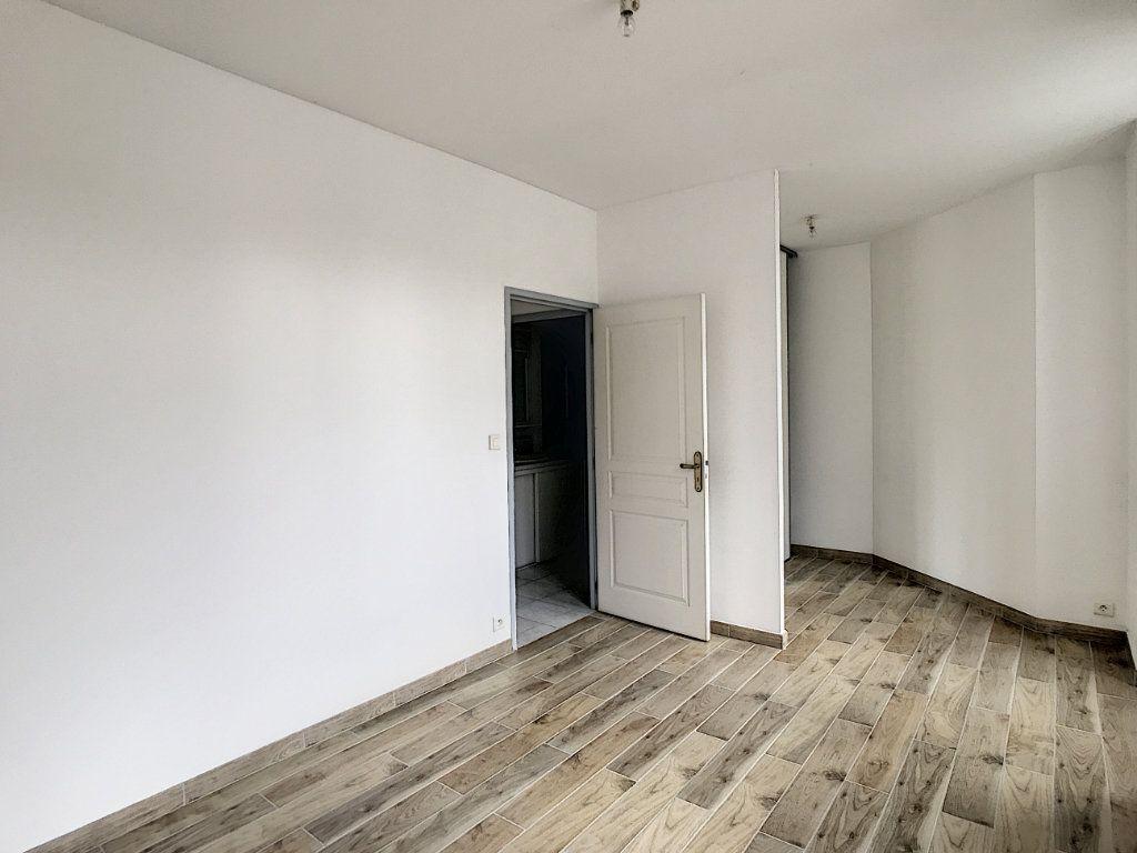 Appartement à louer 2 44.19m2 à Périgueux vignette-2