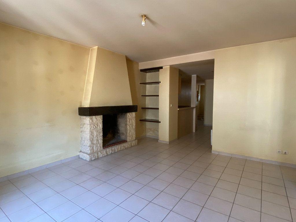 Appartement à louer 2 49m2 à Périgueux vignette-2