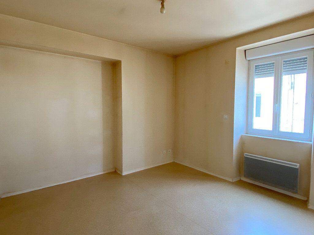 Appartement à louer 2 49m2 à Périgueux vignette-3