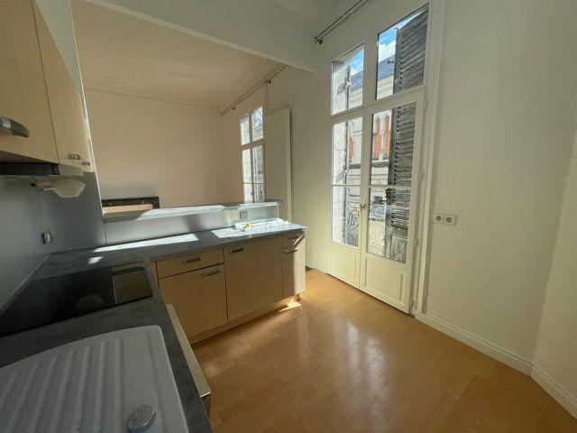 Appartement à vendre 3 70m2 à Périgueux vignette-2