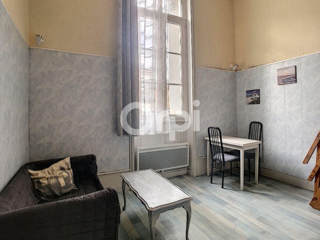 Appartement à louer 1 24m2 à Périgueux vignette-1