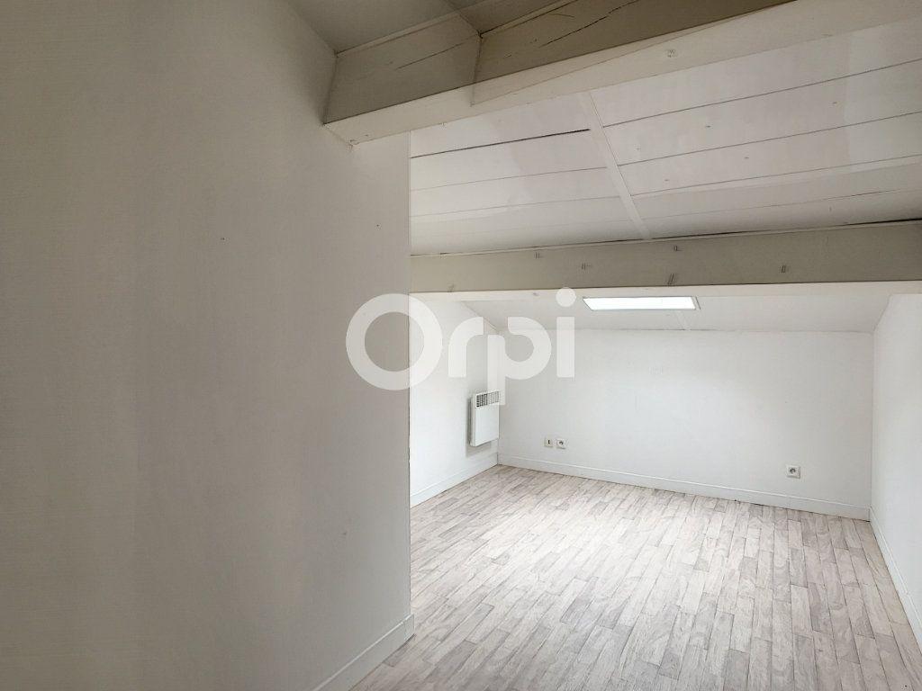Maison à louer 3 55m2 à Grun-Bordas vignette-3
