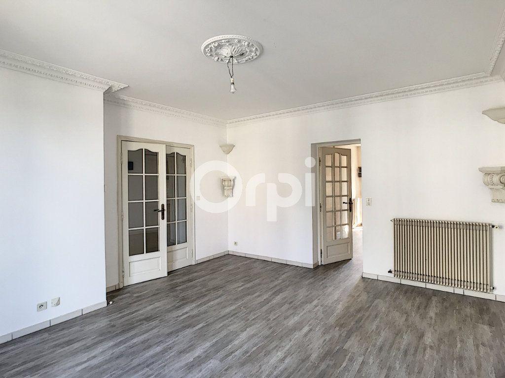 Appartement à louer 4 81m2 à Périgueux vignette-1