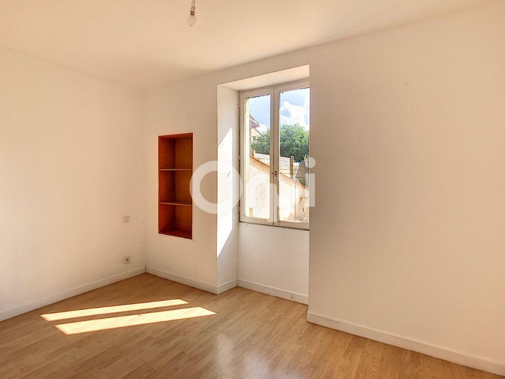 Appartement à louer 4 81m2 à Périgueux vignette-6