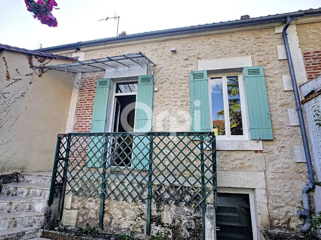 Maison à louer 4 92m2 à Périgueux vignette-1