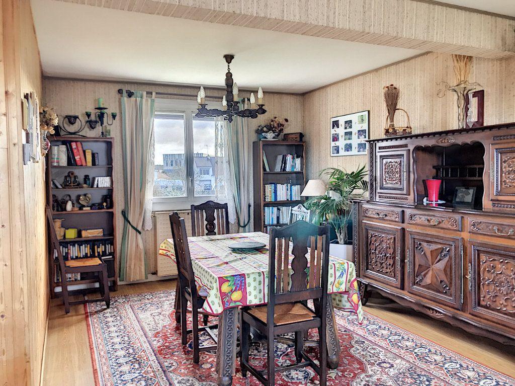 Maison à vendre 6 109m2 à Séné vignette-5