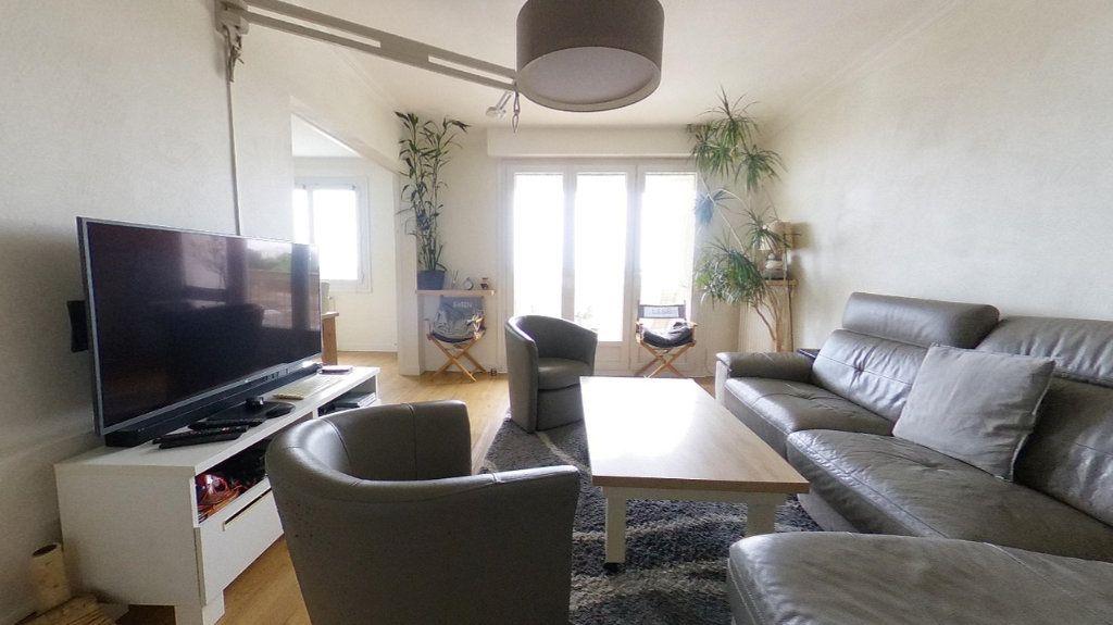 Appartement à vendre 4 85.4m2 à Vannes vignette-2