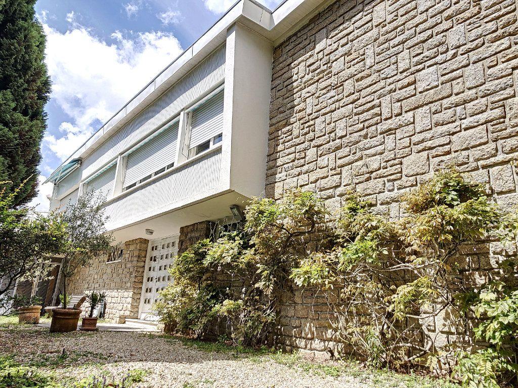 Maison à vendre 9 235m2 à Vannes vignette-1