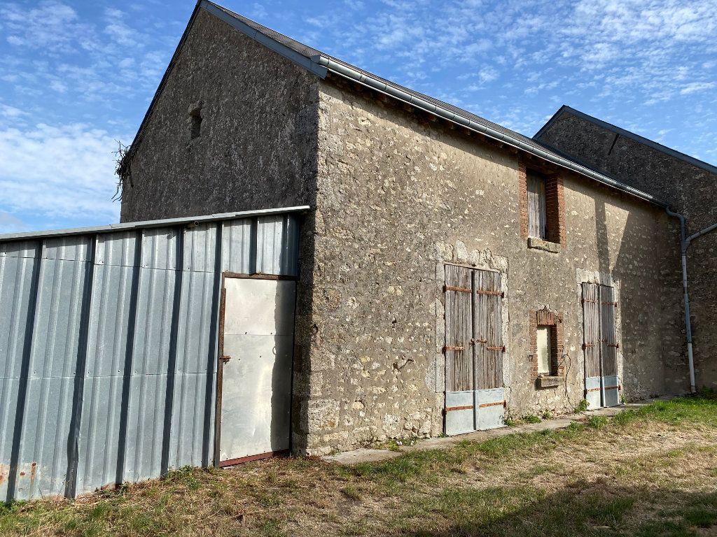 Maison à vendre 2 123m2 à Villeneuve-sur-Conie vignette-3