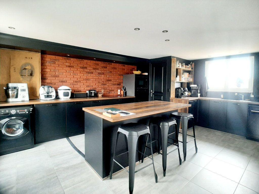 Maison à vendre 5 146m2 à Loigny-la-Bataille vignette-3