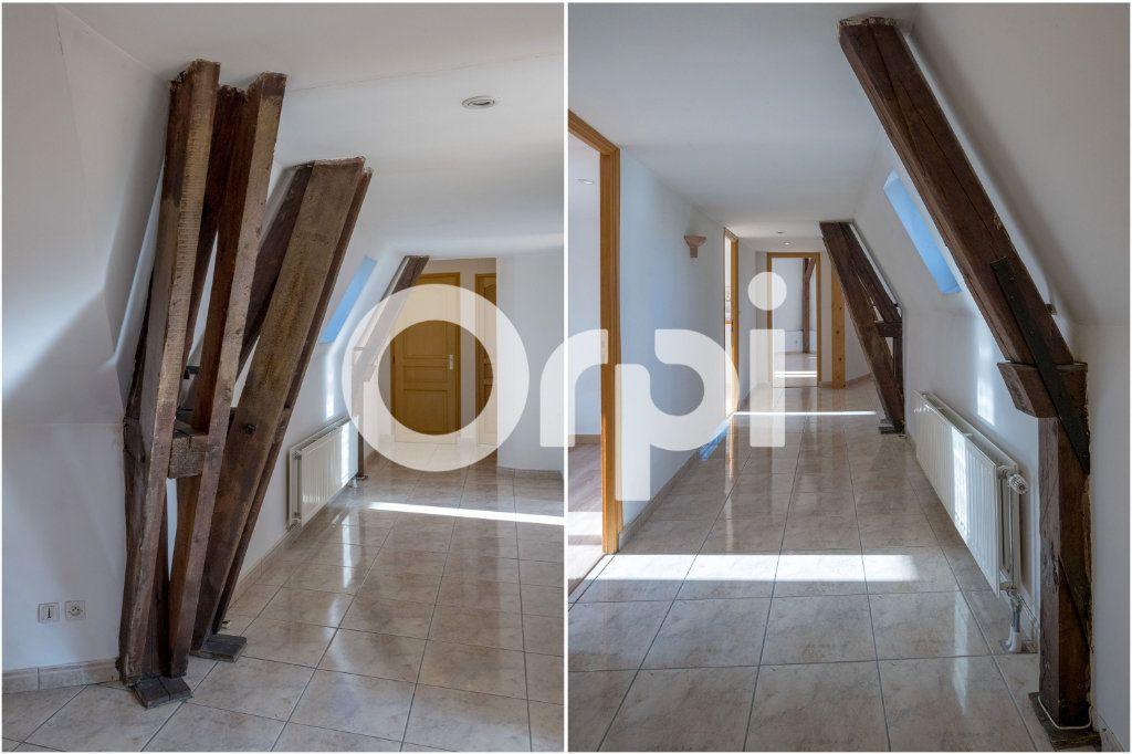 Appartement à vendre 4 121m2 à Cambrai vignette-1