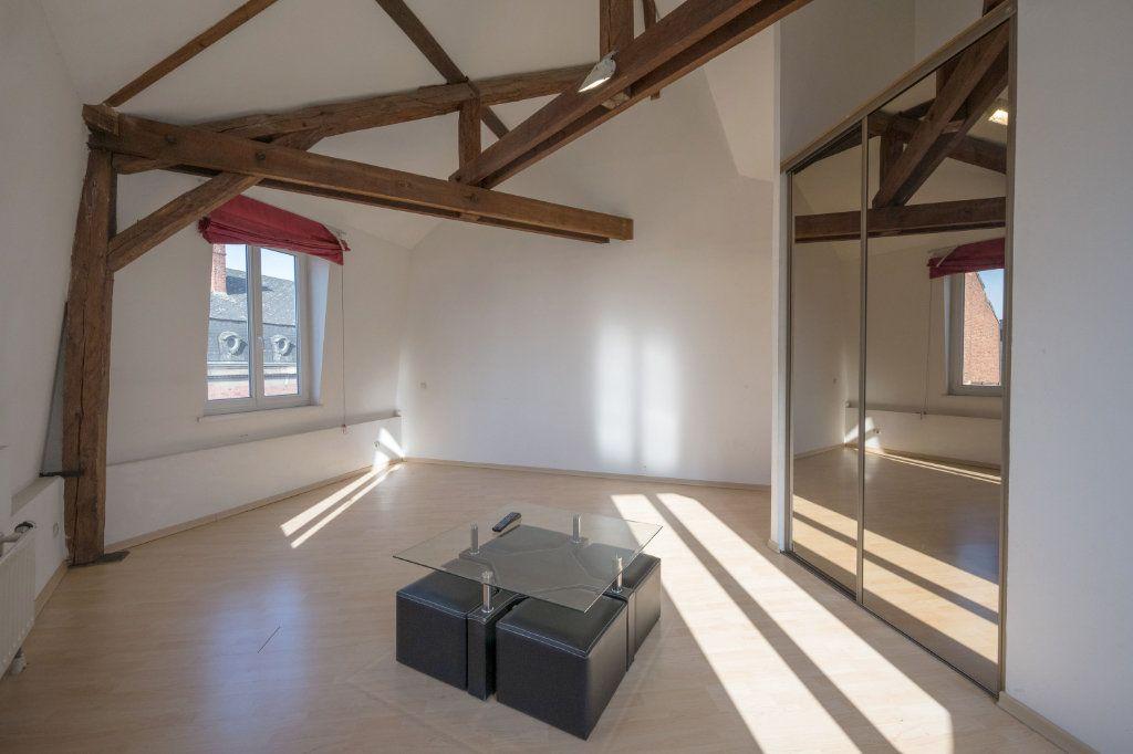 Appartement à vendre 4 121m2 à Cambrai vignette-3