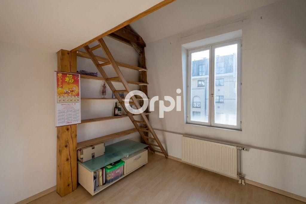 Appartement à vendre 4 121m2 à Cambrai vignette-6