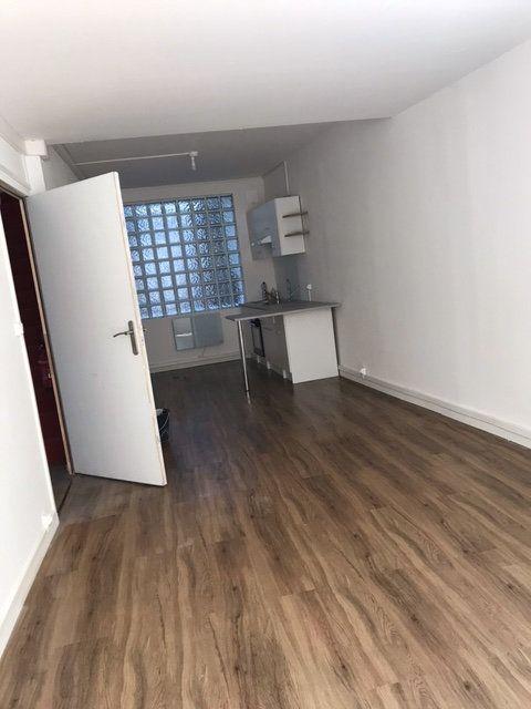 Appartement à louer 2 55.65m2 à Avesnes-sur-Helpe vignette-2