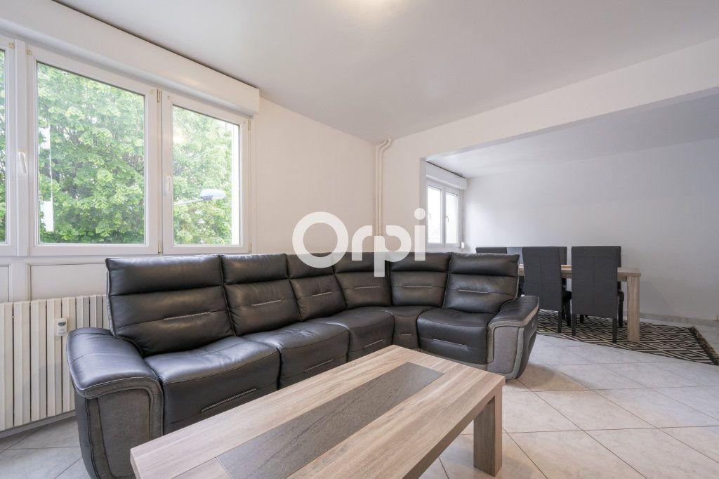 Appartement à vendre 5 82.23m2 à Maubeuge vignette-1