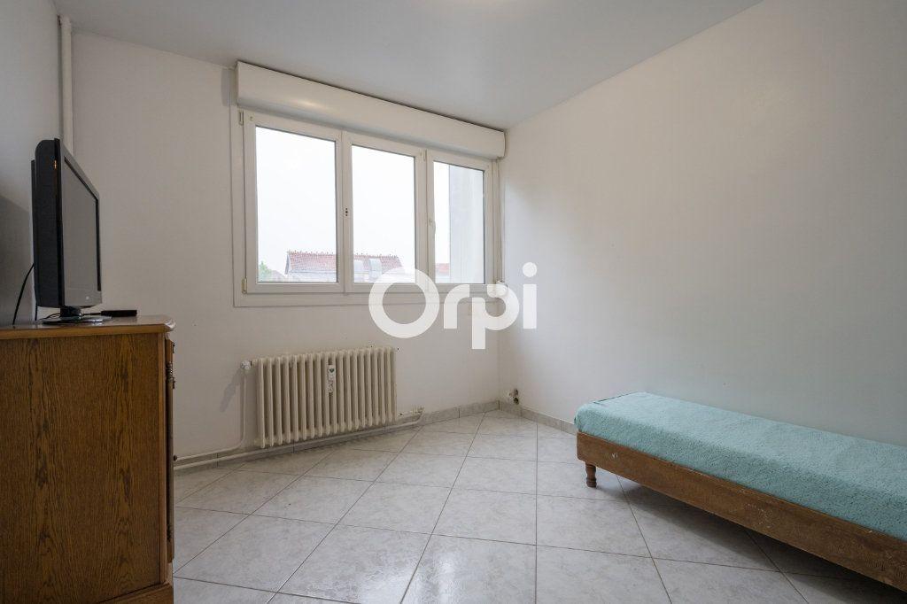 Appartement à vendre 5 82.23m2 à Maubeuge vignette-5