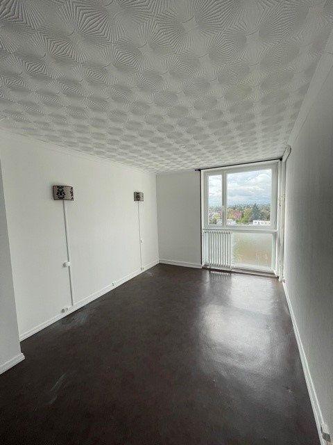 Appartement à louer 3 68m2 à Maubeuge vignette-3